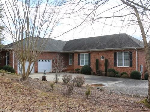 Pilot Mountain Home For Sale : Pilot Mountain : Surry County : North Carolina