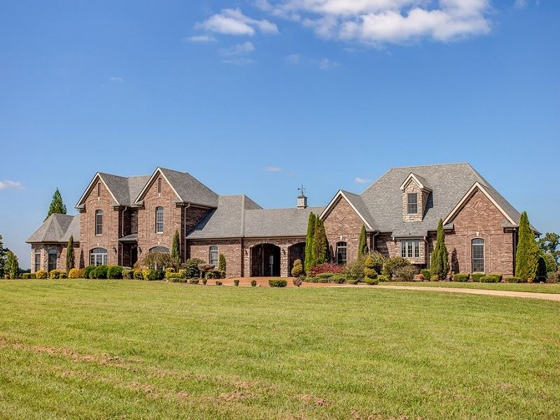 TN Custom-Built Country Home : Hohenwald : Lewis County : Tennessee