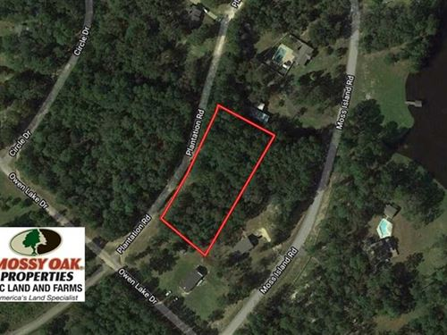 1.1 Acres of Residential Land : Elizabethtown : Bladen County : North Carolina