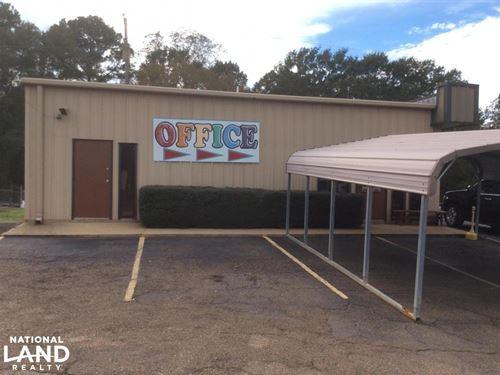 Stewart's Body Shop : Hazlehurst : Copiah County : Mississippi