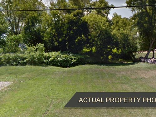 Home Property Near Air Park : Burton : Genesee County : Michigan