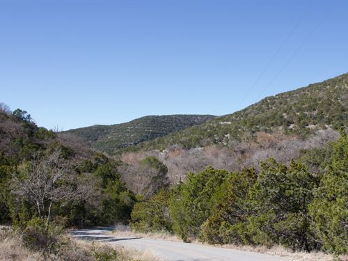 Fabulous Texas Hill Country Views a : Camp Wood : Real County : Texas