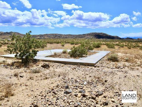 Secluded Location Surrounded By Blm : Joshua Tree : San Bernardino County : California