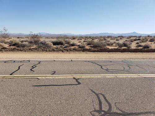 31.52 Acres of Land : Hinkley : San Bernardino County : California