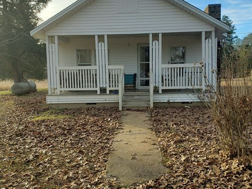 Rural Country Home, Pasture Harmony : Amy : Ouachita County : Arkansas