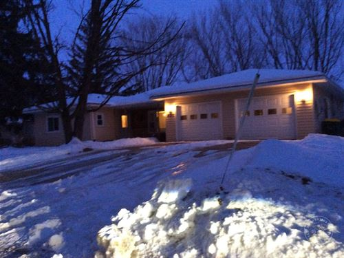 Large Ranch Home Wonewoc WI Juneau : Wonewoc : Juneau County : Wisconsin