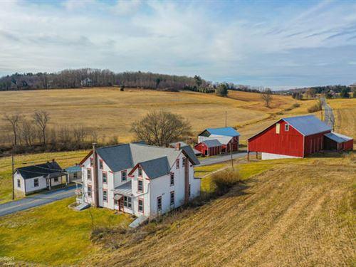 76+ Acres, Farmhouse, Barn & Bldg : New Ringgold : Schuylkill County : Pennsylvania