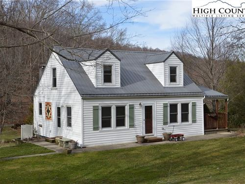 Adorable Farm House on 2 + Acres : Sparta : Alleghany County : North Carolina