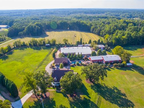Beautiful Equestrian Country Estate : Statesville : Iredell County : North Carolina