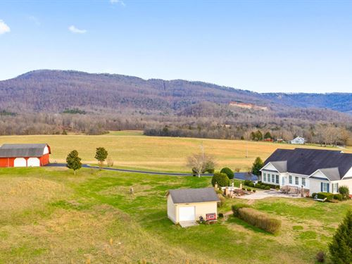 Custom Built Home on 56 Acres : Pikeville : Bledsoe County : Tennessee