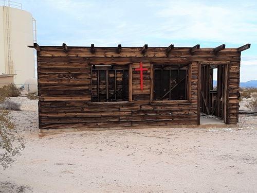 Cabin On Corner Lot, Power & Water : Twentynine Palms : San Bernardino County : California