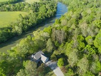 Custom Home on The Duck River : Centerville : Hickman County : Tennessee