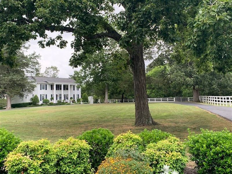 Gorgeous Southern Home 9+ Acres : Murfreesboro : Rutherford County : Tennessee