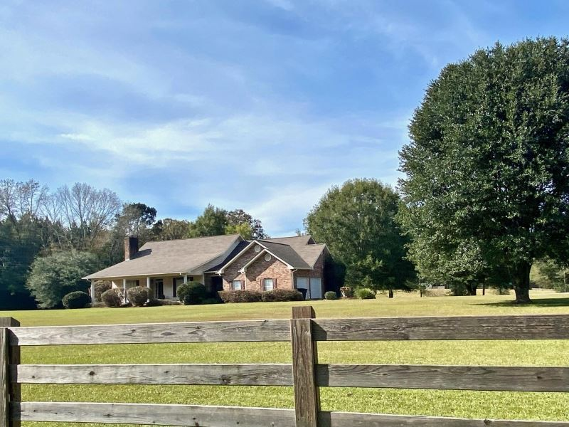 North Pike Home And 13.39 Acres : Summit : Pike County : Mississippi