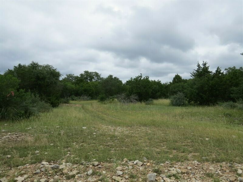 53 Acres for Sale : Rocksprings : Edwards County : Texas