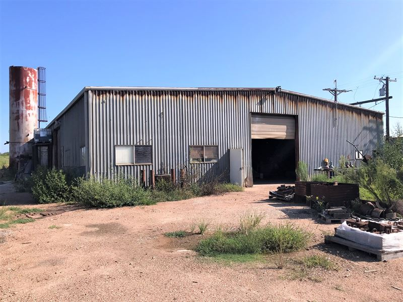 Metal Warehouse and Office : El Campo : Wharton County : Texas