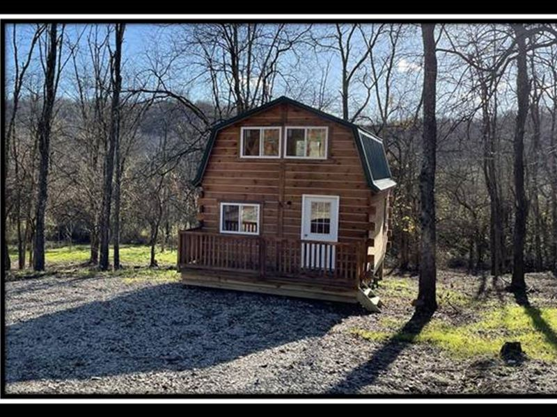 Hidden Cabin On The Park : McConnelsville : Morgan County : Ohio