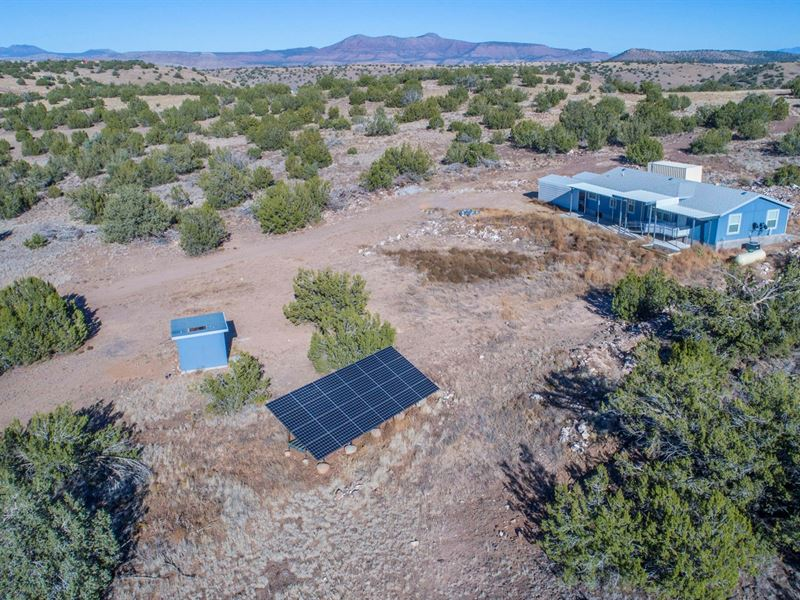 Off Grid Home Bordering Public Land : Seligman : Yavapai County : Arizona