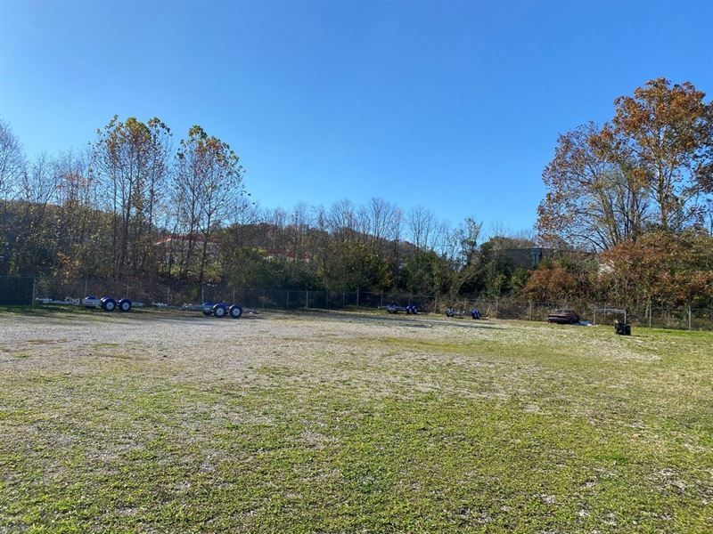Commercial Land Columbia, Tennessee : Columbia : Maury County : Tennessee