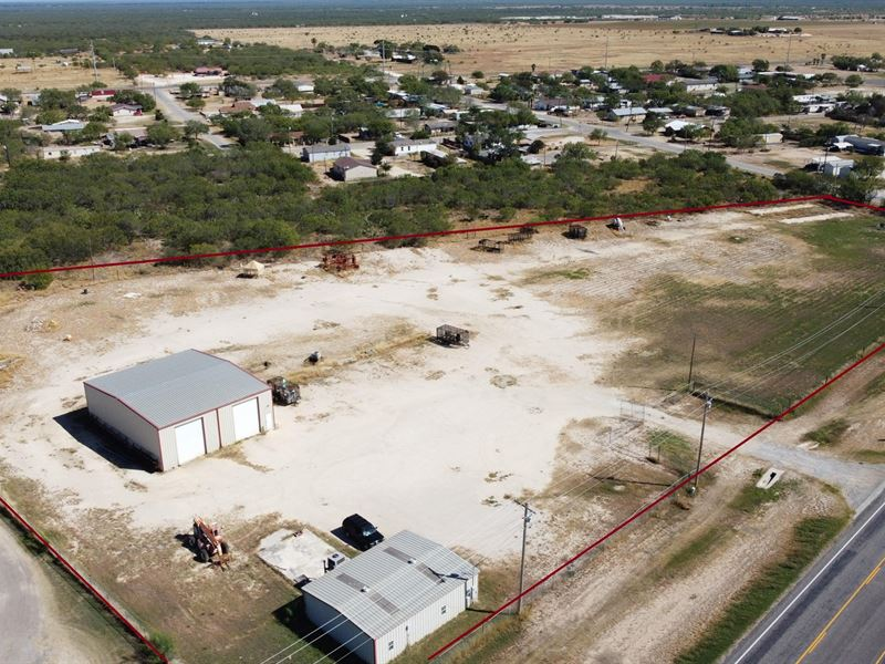 Carrizo Springs Industrial Yard : Carrizo Springs : Dimmit County : Texas