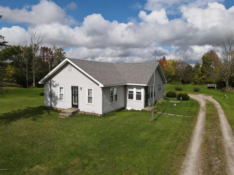 Mason County Land & Home : Scottville : Mason County : Michigan
