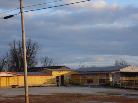 Hillbilly Hound W/doublewide 3.4 : Cave City : Barren County : Kentucky