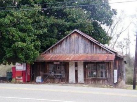 C117- Great Antique Store : Woodland : Randolph County : Alabama