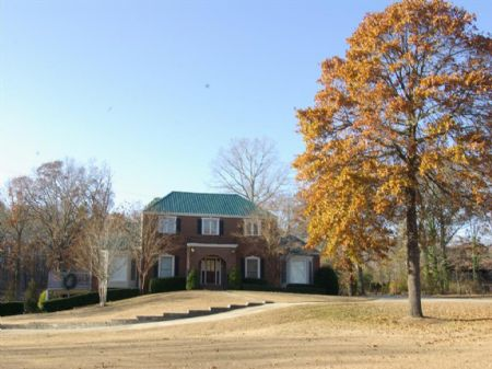 6.6 Ac, Pond, Barn & 6br 4.5ba Home : Moody : Saint Clair County : Alabama