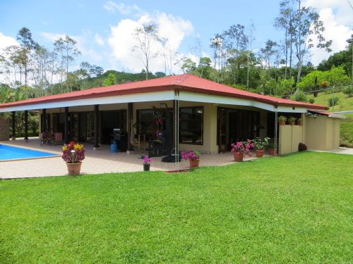 Remodeled- Mt. Home-2600 Sf & 3 Ac. : Tres Equis Turrialba : Costa Rica