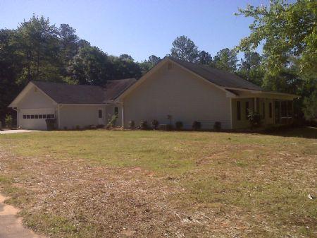 Mini Farm With hobby Kennel : Loganville : Walton County : Georgia