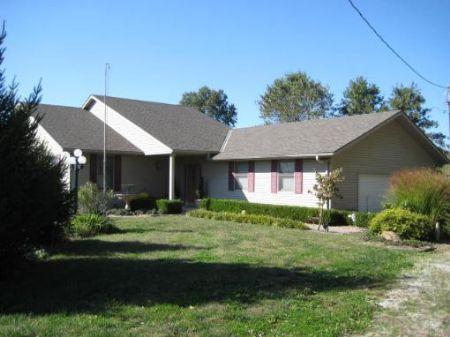 Custon Home On 10 Acres : Amoret : Bates County : Missouri