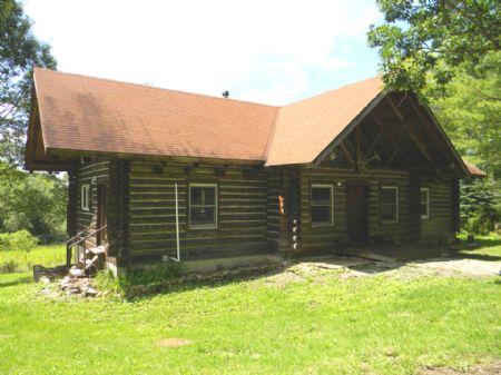Log Home 18+ Acres Sauna Pond : Candor : Tioga County : New York