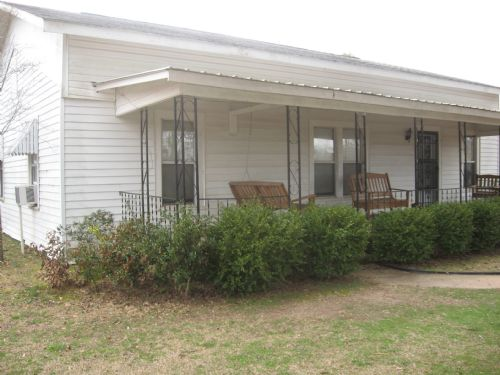 3b/1.5b Located On 5+/- Acres : Roanoke : Randolph County : Alabama