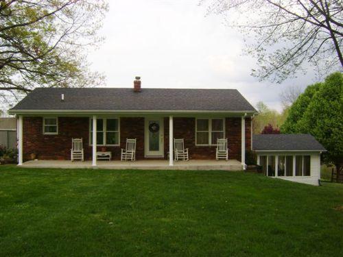22 Acres/home/outbuildings (a3023) : Columbia : Adair County : Kentucky