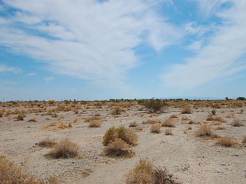.294 Acres Near Palm Springs : Salton City : Imperial County : California