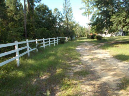 104 Acres, Country Home Place : Jesup : Wayne County : Georgia