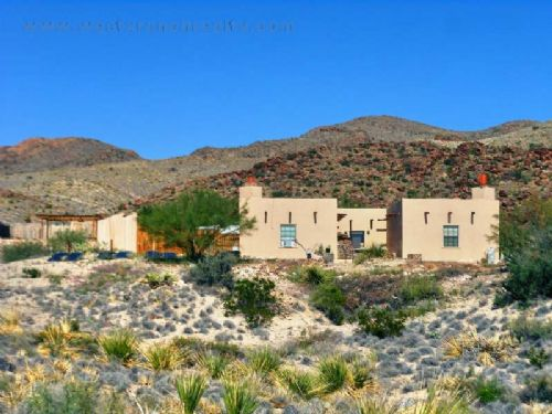 Adobe Home And Cottage On 45 Acres : Study Butte : Brewster County : Texas