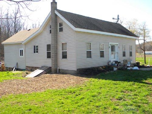 66 Acres Country Home Cross Lake : Jordan : Cayuga County : New York