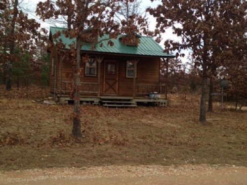Ranches Of Montauk Missouri Cabin : Salem : Dent County : Missouri