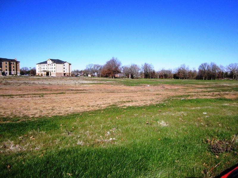 Business Development For Sale : Paris : Lamar County : Texas