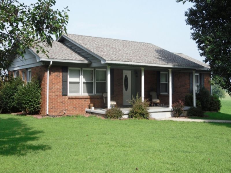 4 Bedroom 2 Bath Brick Home : Glasgow : Barren County : Kentucky