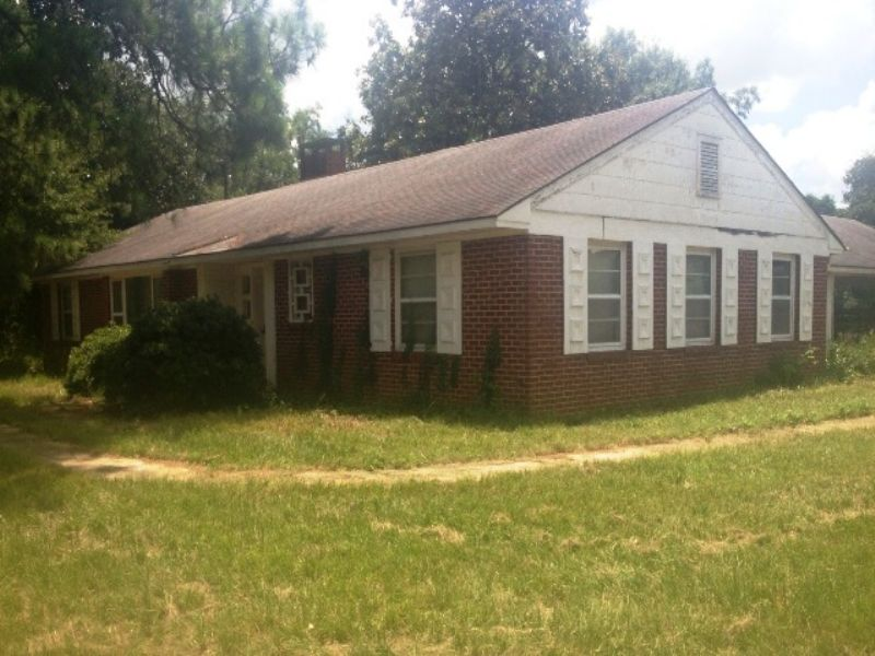 House & 9.25 +/- Acres : Troy : Pike County : Alabama