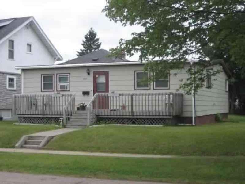 1021 West A Street  Mls#1073120 : Iron Mountain : Dickinson County : Michigan