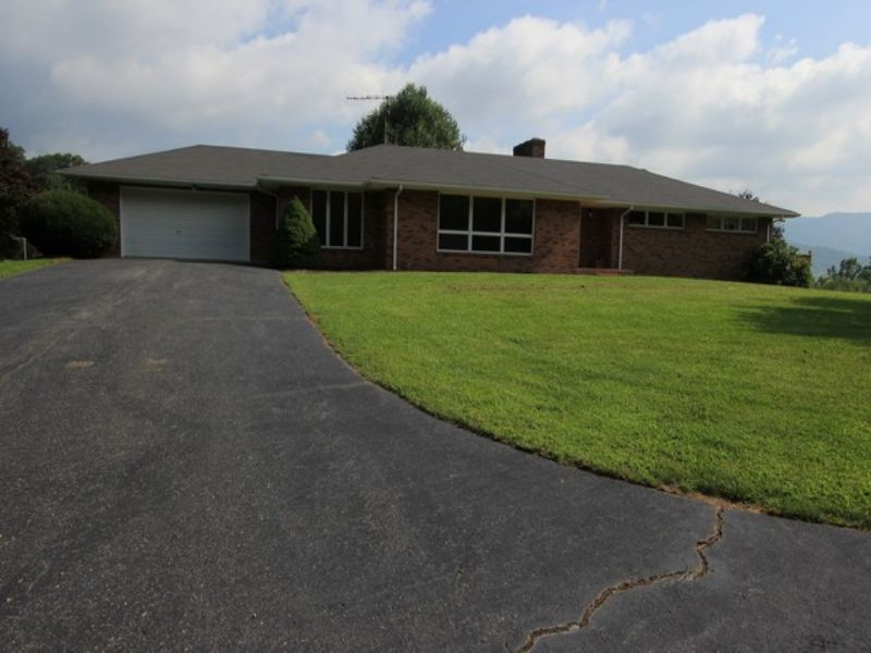 Home And 11 Acres W/ Views : Independence : Grayson County : Virginia