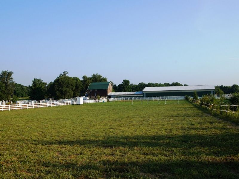 Farm & Equestrian Facility Auction : Arena : Iowa County : Wisconsin