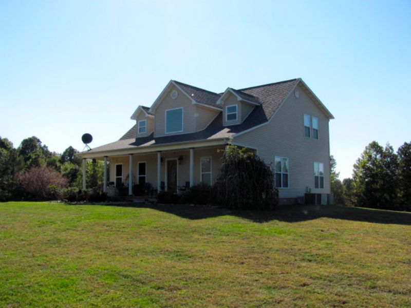 2 Story Home And 25 Acres : Huron : Henderson County : Tennessee
