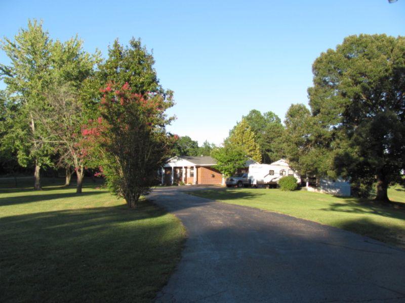 Brick Home Nestled On 20 Acres : Lexington : Henderson County : Tennessee