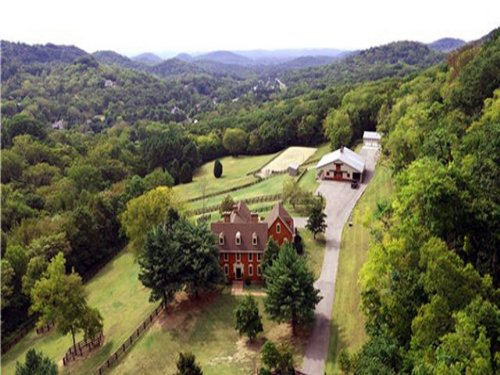 Charming Equestrian Estate In On : Franklin : Williamson County : Tennessee