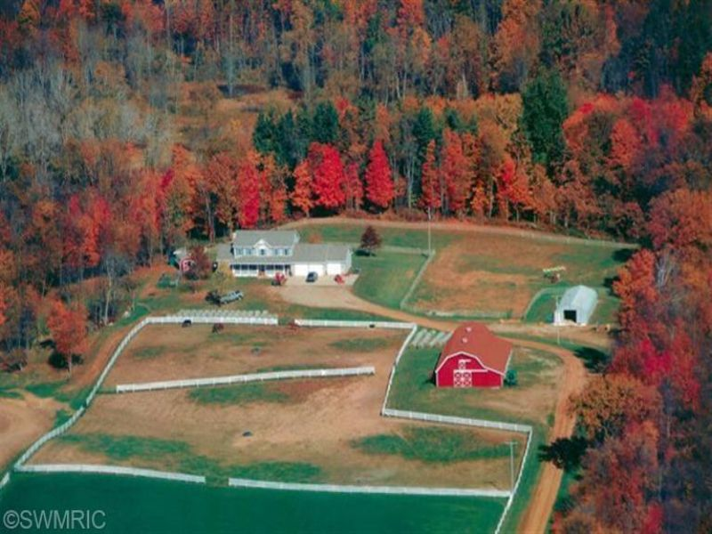 Private Country Estate : Lawrence : Van Buren County : Michigan