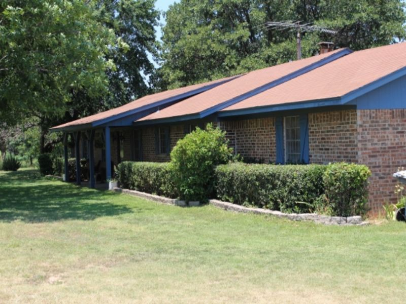 Country Home With 59+ Acres : Sumner : Lamar County : Texas